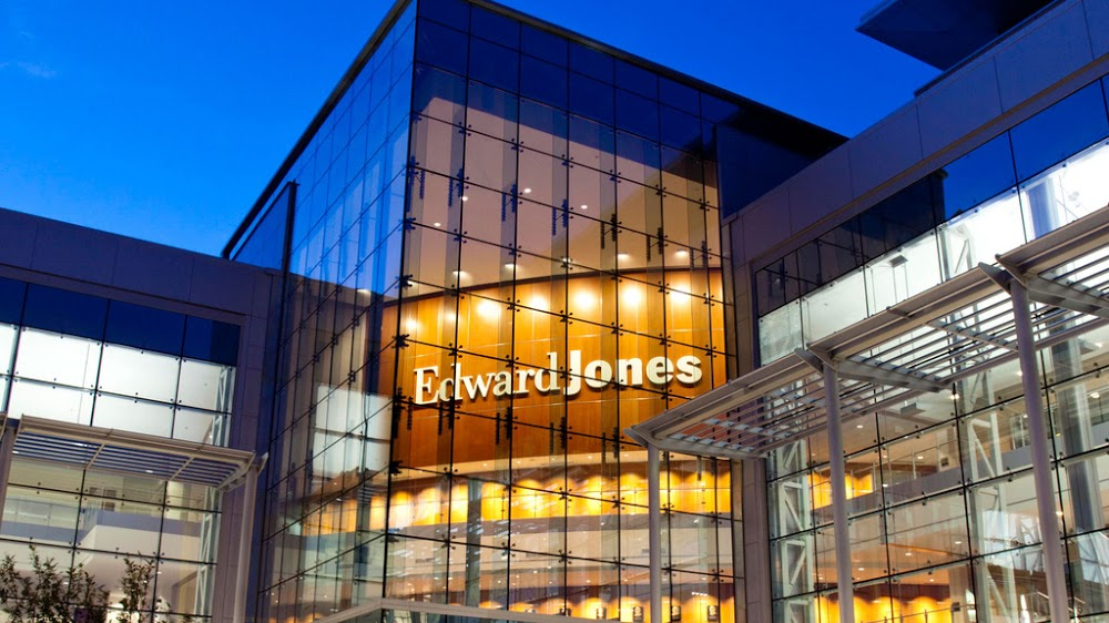 Edward Jones – Financial Advisor: Lex Fennell